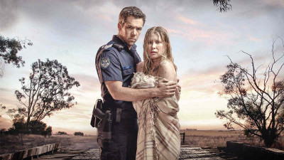 Everyone Is Frothing Over The New Australian Drama 'Glitch'